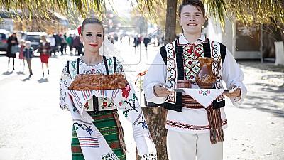 Voie bună și muzică de calitate în satul Zberoaia! Mai mulţi interpreţi autohtoni au susținut un concert organizat de hramul localităţii