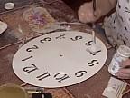 Tehnica decupajului, una din metodele de a decora ceasurile sau lădiţele pentru bijuterii