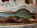 Moaştele Sfântului Iosif cel Milostiv, readuse în Moldova. La relicve au venit să se închine zeci de credincioşi din mai multe localităţi