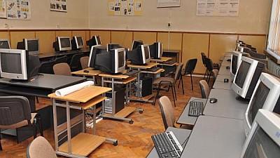 NOI METODE DE EXAMINARE! Școlile profesionale din ţară vor susține teste în regim online