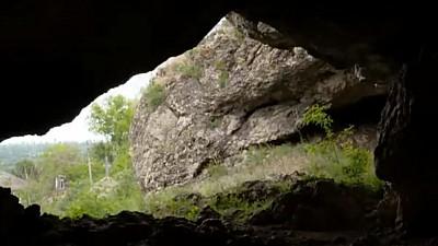 Timpul s-a oprit în loc în grota din Duruitoarea Veche! Cum arată cea mai faimoasă peșteră