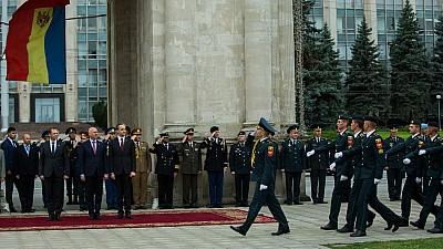 Ofițeri cu acte în regulă. 57 de absolvenţi ai Academiei Militare Alexandru cel Bun din Capitală au JURAT credință Patriei