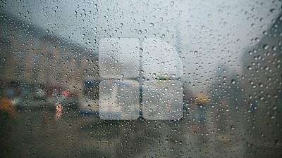 Codul galben de averse puternice emis de meteorologi a intrat în vigoare. La Şoldăneşti a plouat cu grindină