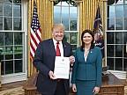 Вступила в должность. Посол Молдовы в США вручила верительные грамоты Дональду Трампу
