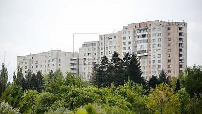 Veste bună! Acoperişurile a peste 400 de blocuri locative din Capitală vor fi reparate până în toamnă