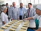 Pavel Filip, în vizită la fabrica de panificație din Taraclia. Cât de impresionant a rămas premierul