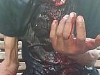 DETALII NOI în cazul bărbatului transportat de urgență la spital, după ce un individ i-a tăiat gâtul pe peronul autogării din Capitală