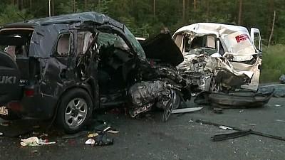 Accident TERIBIL pe o autostradă din Kiev. Patru oameni au murit, iar alți trei au ajuns în stare gravă la spital, după ce două maşini s-au ciocnit violent
