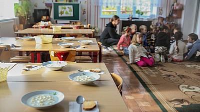 Ruslan Codreanu, indignat de situația de la o grădiniţă din Capitală. Părinţii copiilor din instituția preșcolară adună câte 1. 600 lei pentru ziua profesorului