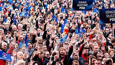 Opinia analiştilor politici despre direcţia lansată de PDM: Calea a patra de dezvoltare a Republicii Moldova anunţată de Vlad Plahotniuc, presupune soluţionarea problemelor