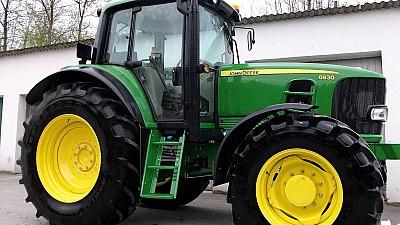 Expoziţie de maşini agricole în Capitală. Cea mai scumpă combină costă peste 210 mii de euro